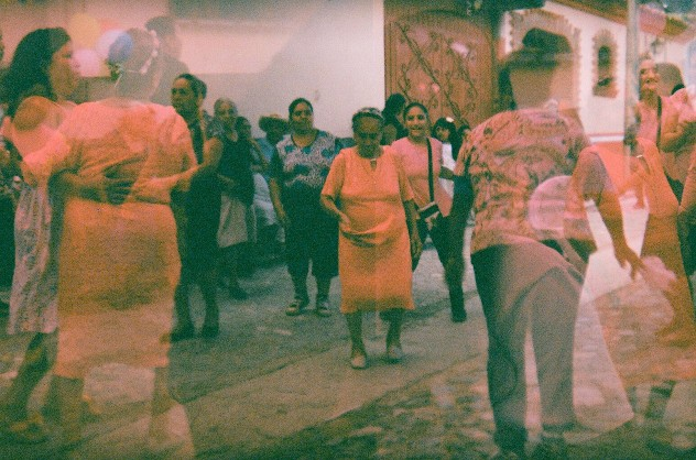 JESSICAN ROMAN - Baile de la Iguana - wallpaper2